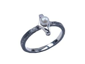 alfa duo ring oxyderet rustik sølv håndlavet ferskvandsperle smuk